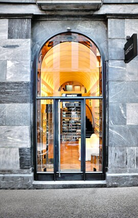 A NEW MILAN BOUTIQUE